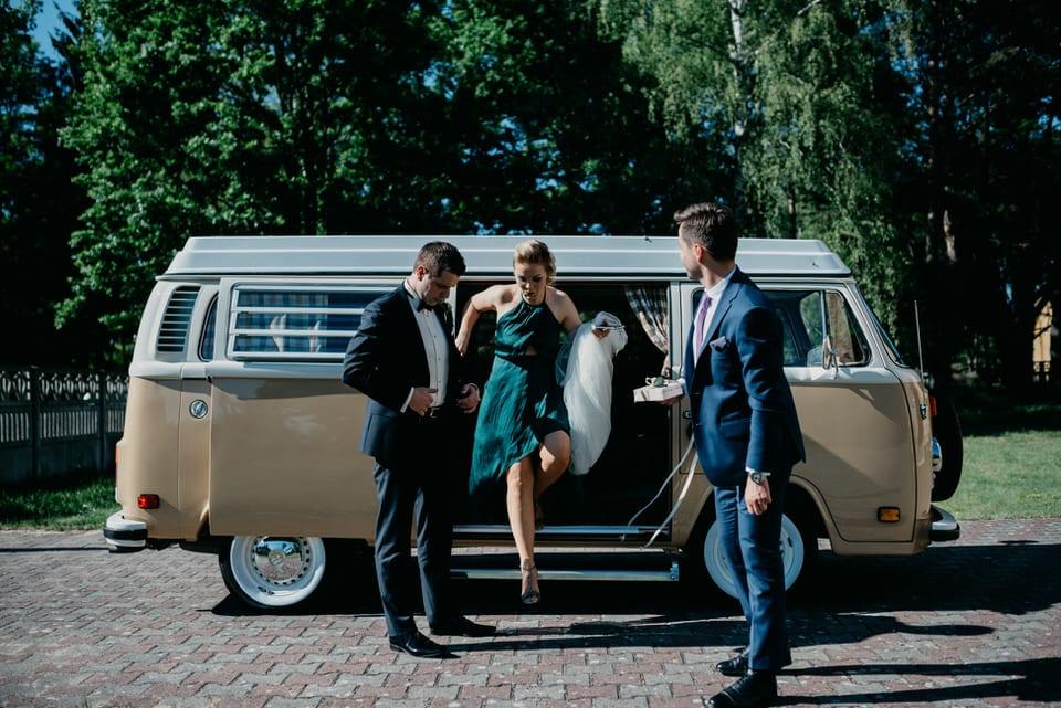 biżuteria ślubna, bukiet boho, Bukiet ślubny, ceremonia zaślubin, fotograf Szczecin, fotografia ślubna, przygotowania ślubne, przyjęcie weselne, Ślub, ślub w stylu boho, styl boho, Suknia ślubna, Wesele, zabawa weselna, Zatrzymać Chwilę nad Miedwiem Ślub w stylu BOHO