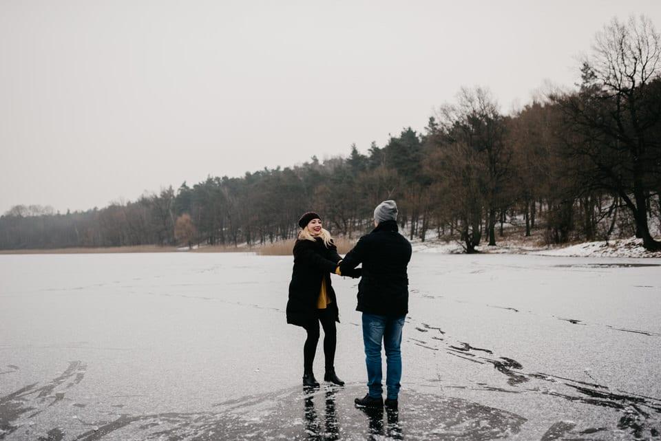 sesja narzeczeńska na lodzie