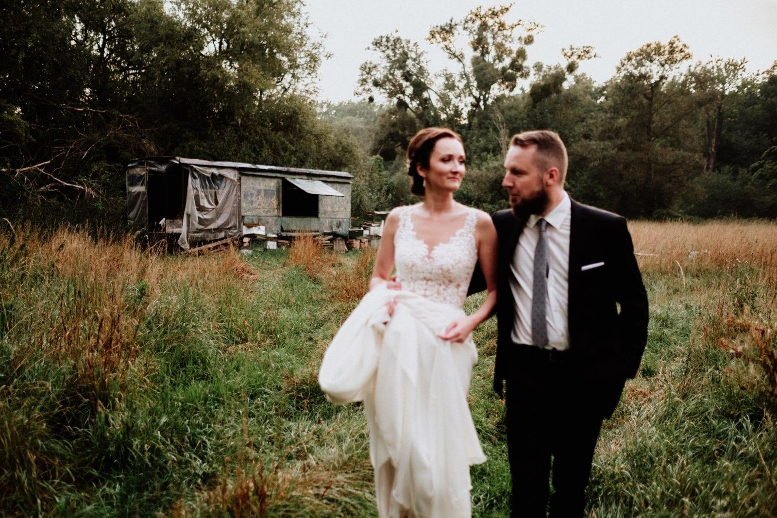 sesja plenerowa ślubna w dniu ślubu