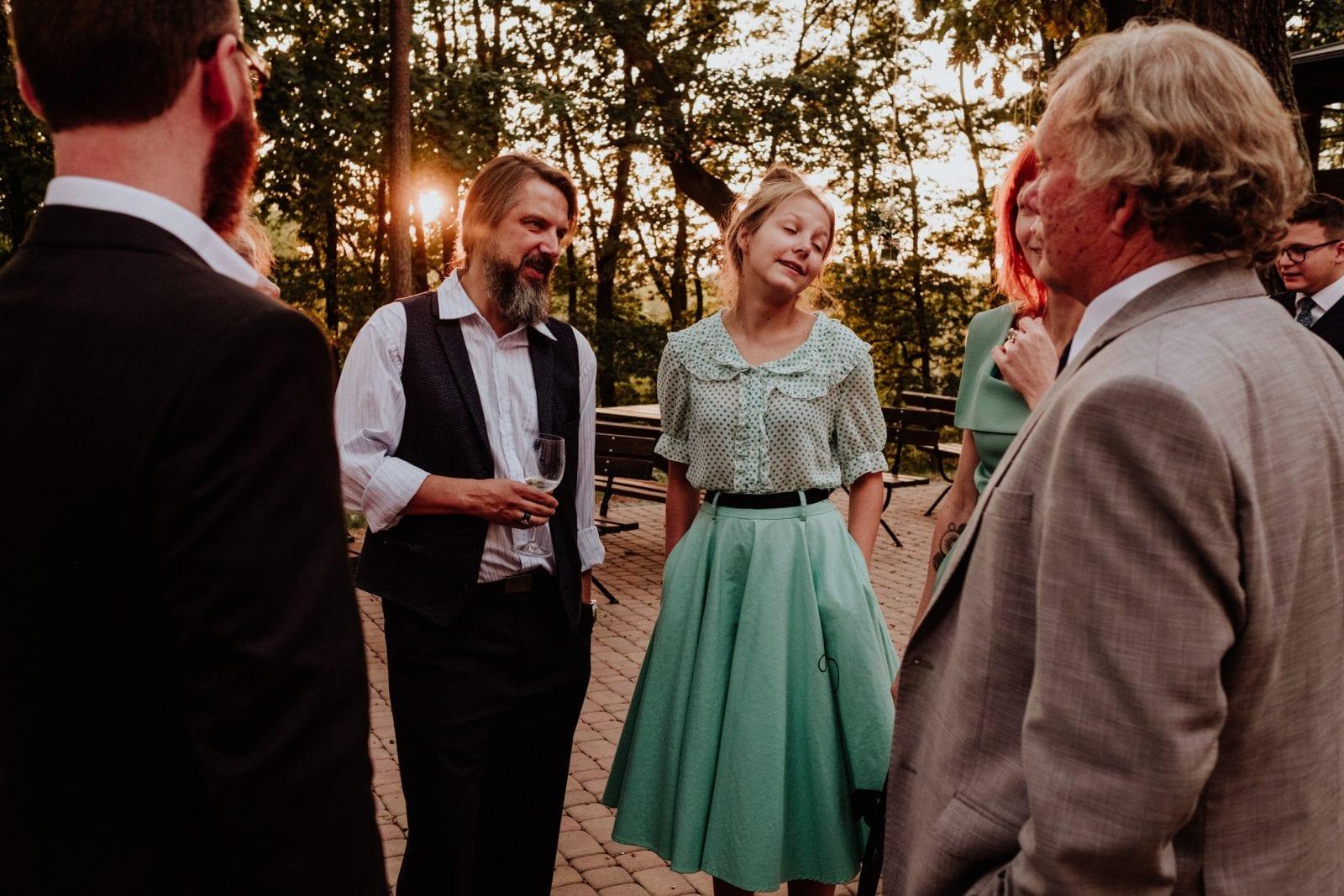 przyjęcie weselne na zewnątrz