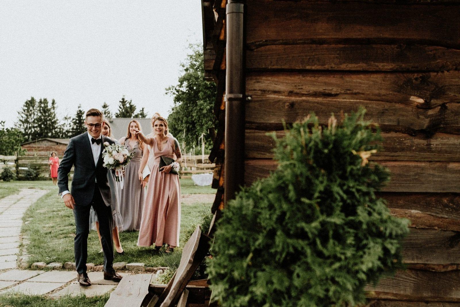 fist look na ślubie boho