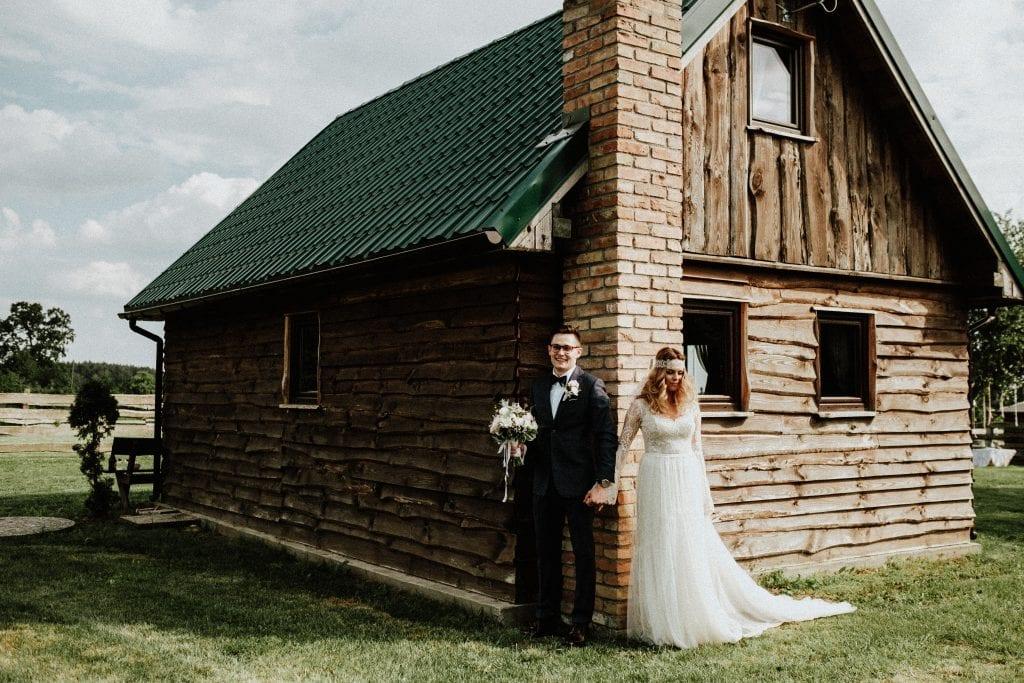 Ślub boho w stodole Słodkówko