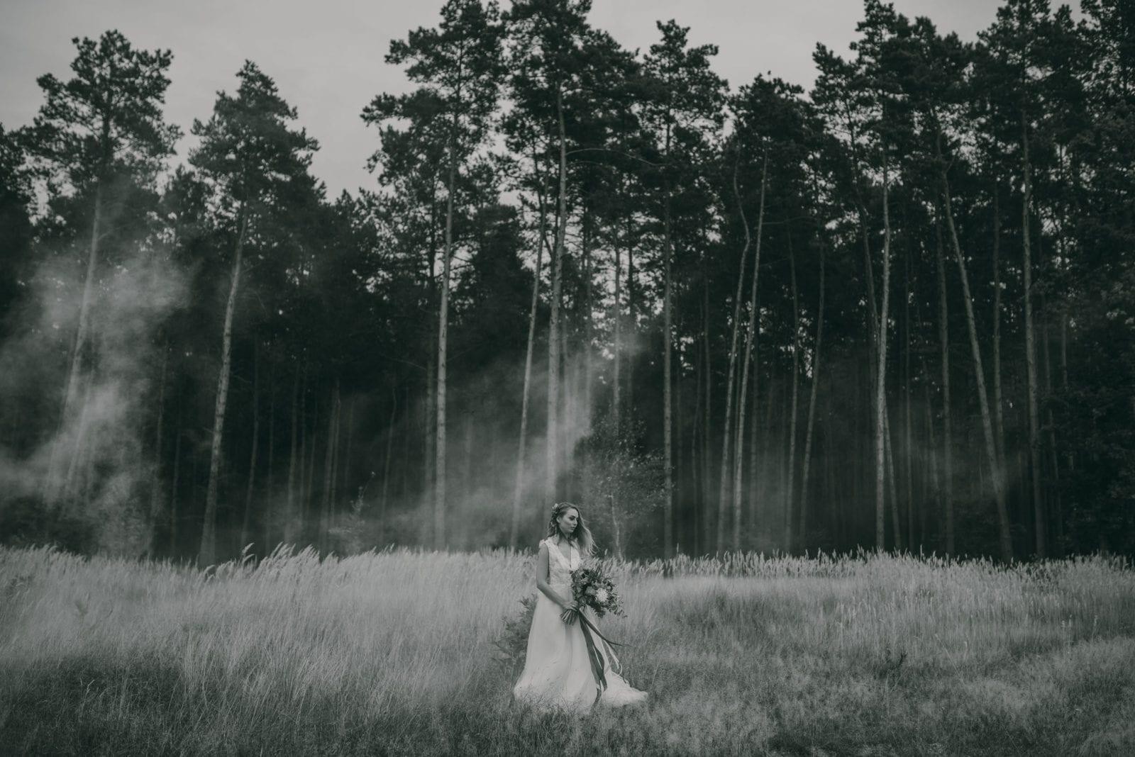 bukiet boho, Centrum Mody Ślubnej Szczecin, Plener ślubny, Sesja slubna, ślub 2020, ślub 2021, suknia boho Sesja plenerowa stylizowana na BOHO