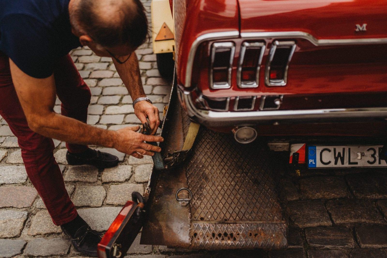 zabytkowy samochód do ślubu Toruń