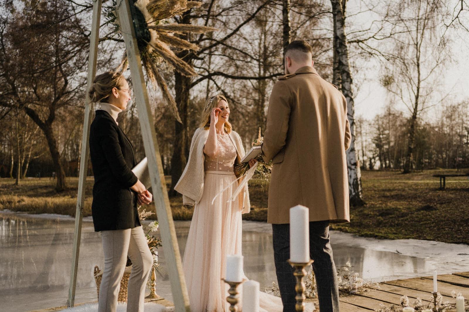 kameralny ślub w plenerze