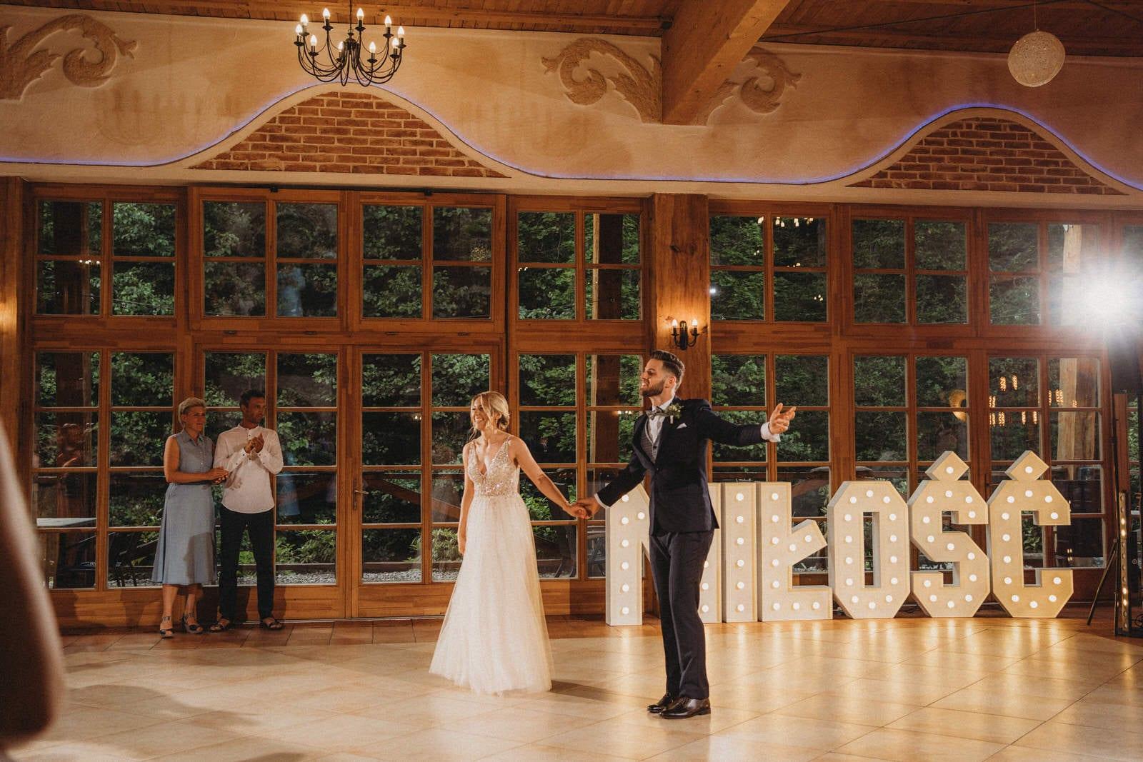 pierwszy taniec na weselu w Młynie w Tarnowie